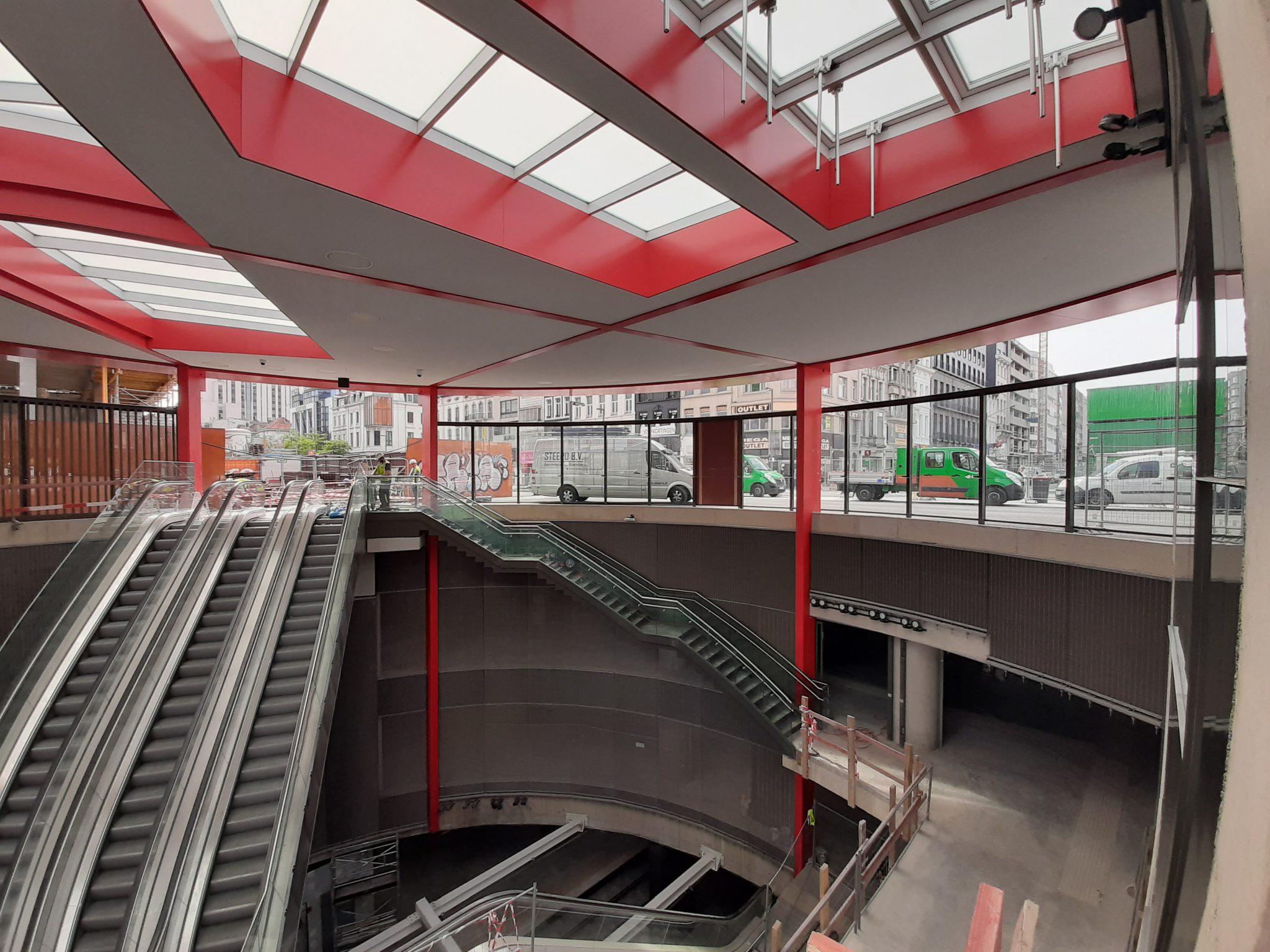 De nieuwe metrolijn in Antwerpen werd door GS Staalwerken deels 's nachts gebouwd.